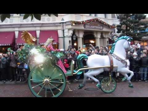DISNEYLAND PARIS PARADE * CHRISTMAS 2013 * DISNEY HEROES PARADE * Part 1