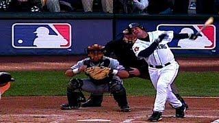 2001 ALDS Gm2: Edgar Martinez hits a two-run homer