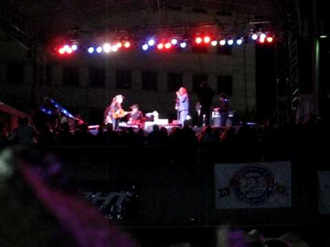 Willie Nelson with Kid Rock at the Hoedown in Detroit 2009...part of Shotgun Willie....
