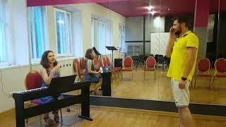 Уроки вокала. Обучение вокалу с нуля. Урок 1. Как попадать в ноты