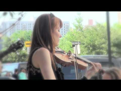 Beautiful violinist Hannah Thiem in 2010 make music new york(1/2)----new york videodyssey(103)