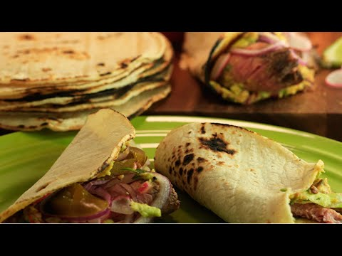 Carne Asada Tacos and Chipotle Guacamole