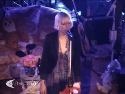 Sia  Breath Me Live @ KCRW HQ