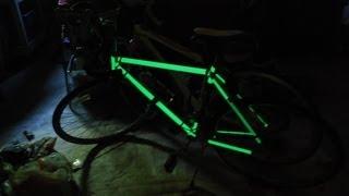 krylon k03150 glowz aerosol spray paint 6 ounce glow in the dark. Black Bedroom Furniture Sets. Home Design Ideas