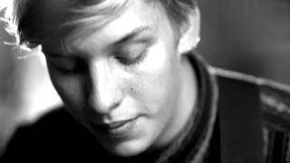 George Ezra - Over the Creek (Acoustic live)