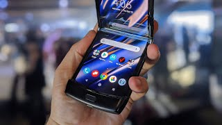 Moto Razr hands-on: the flip phone, reinvented as a folding Android phone!