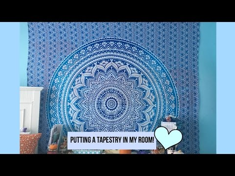 Putting a Tapestry in my Room!💙