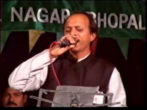 Jab Zero diya mere bharat ne by Devendra Pandit (mini mahendra kapoor)song....