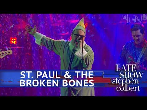 St. Paul & The Broken Bones Perform 'Zat You Santa Claus'