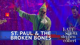 St. Paul & The Broken Bones Perform 'Zat You Santa Claus'