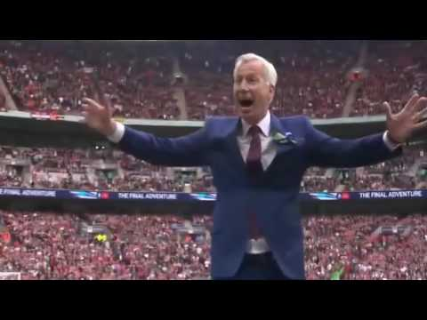 Alan Pardew v Sam Allardyce Dance off
