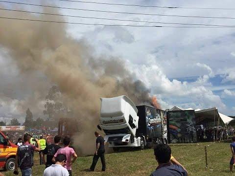 Constellation G2 pegando fogo- Fotos e vídeos do acidente em SC