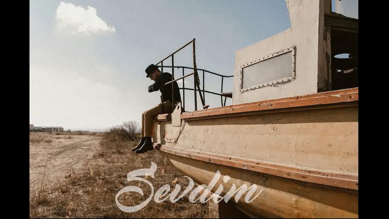 Download Ceyhun Zeynalov (Cin) - Sevdim