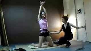Repeat youtube video Shibari improvisation - Psiheya ties Nelly into a pretzel