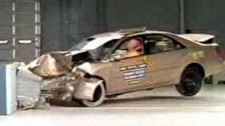 Crash Test of 2002-2005 Toyota Camry / Daihatsu Altis