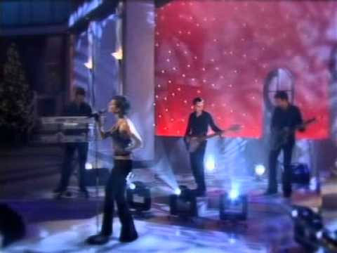 Victoria Beckham - A Mind Of Its Own (Live on des O'Connor)