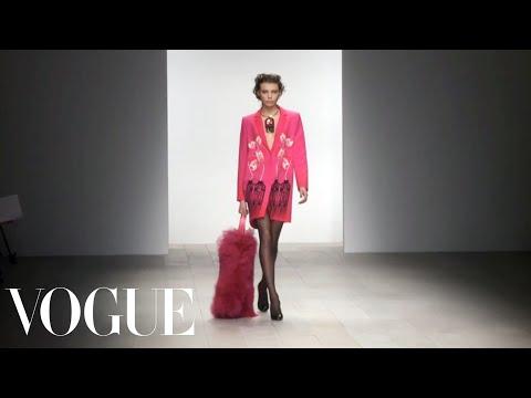 Holly Fulton Ready to Wear 2012 Vogue Fashion Week Runway Show