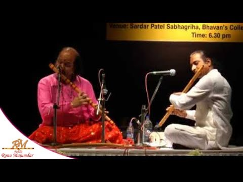 Pt. Ronu Majumdar performing Raag Gorakh Kalyan