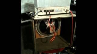 Radson 305 C amplificador de bulbos gabinete National NC125 y Guitarra Blessing Les Paul Japan
