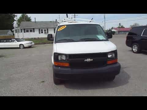 http://www.ohiolimo.com/autos/2008-Chevrolet-2500-LS-Cargo-Van-Bellefontaine-OH-10266 - Photo #0