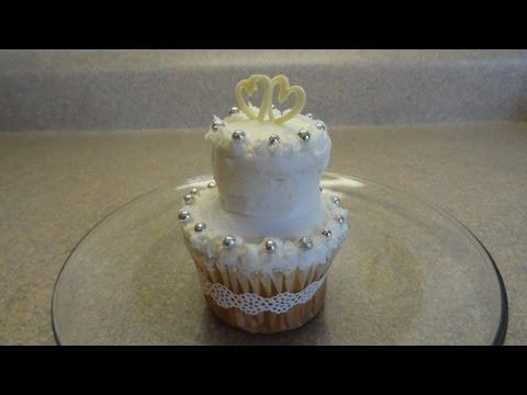 decorating-cupcakes-#72:-tiered-wedding-cake