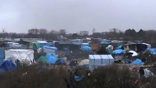 Французские власти сносят палаточный лагерь беженцев в Кале(, 2016-01-15T04:09:44.000Z)