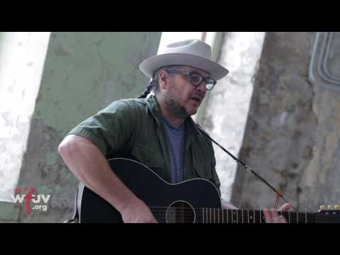"Jeff Tweedy - ""Laminated Cat"" (Live at Solid Sound)"