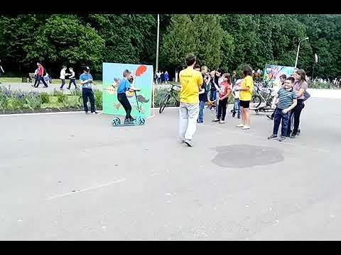 Развлекательные в парке Железнодорожников  традиционные соревнования по лёгкой атлетике