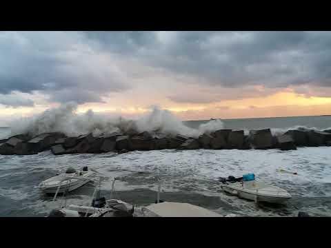 Mareggiata a Salerno 11 settembre 2017