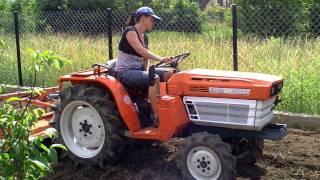 Kubota  B 1600 D  4x4 traktorek ogrodowy  z glebogryzarką.   www.traktorki.waw.pl