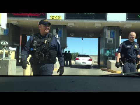Border Crossing From Ciudad Juarez to El Paso - Interview with Officer