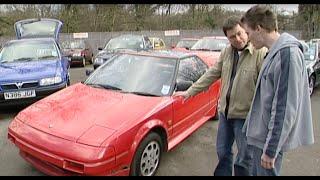 トヨタ・初代MR2 後編: https://bit.ly/2wTNo8k 今回マイクが選んだのは日本車だ。購入したのは中古のトヨタ・初代MR2。いい状態とは言えないが名メカ...