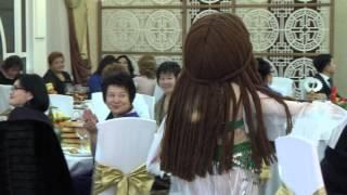 Шоу с ростовыми куклами (преобразование Снегурочка, восточная красавица, стриптизёрша)(, 2016-03-10T07:32:32.000Z)