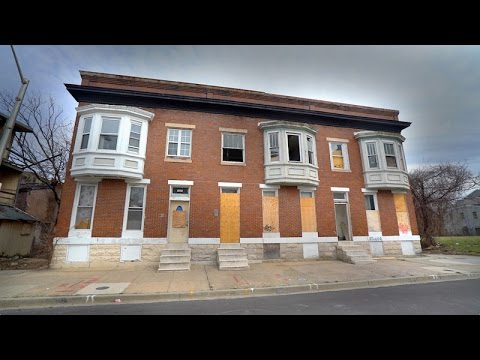 BALTIMORE DRUG HOUSE : Abandoned, Needle Strewn Heroin Den