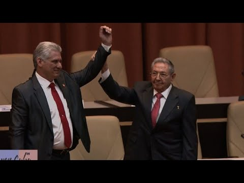 Raúl Castro entrega comando de Cuba a Miguel Díaz-Canel