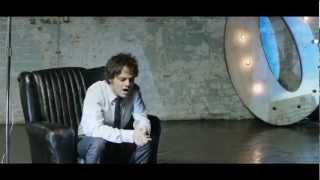 Canción Anuncio San Miguel 2012: CIudadanos de un lugar llamado mundo.Año ii - Jamie Cullum
