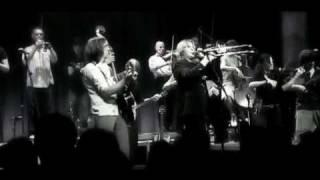 """17 HIPPIES """"Der Zug um 7.40 Uhr"""" live 2005 in Berlin"""