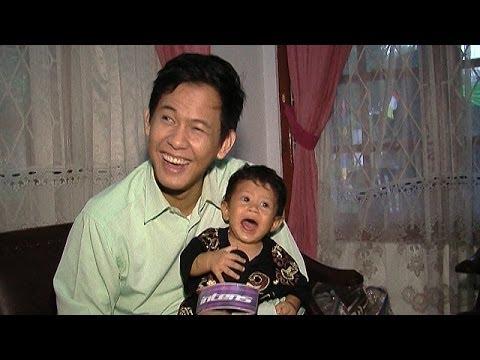 Keakraban Andi Arsyil Dengan Habibie Saat Break Syuting - Intens 11 Desember 2013