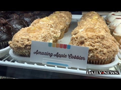'Crumbs' bakery reopens after bankruptcy