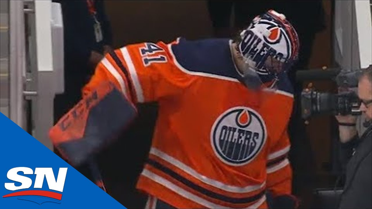 Smith pulled by Oilers after allowing five goals to Blackhawks in ...