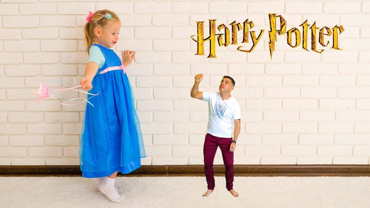 Настя получает волшебное письмо и собирает фигурки из Гарри Поттера