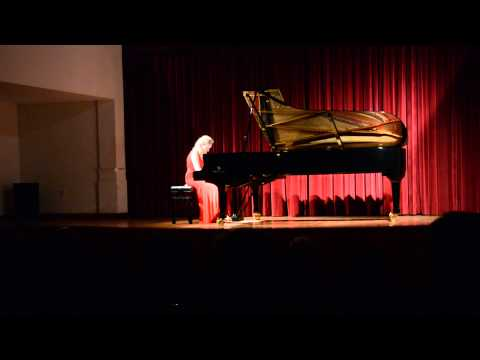 Katia Veekmans na Escola Dramática e Musical Valboense