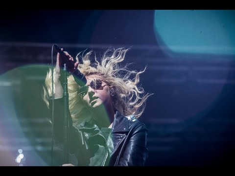 The Pretty Reckless - Heaven Knows (Live at Lowlands 2017) PROSHOT [HD]