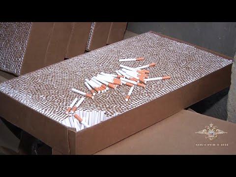 Без перекура трудились воронежские работники подпольного цеха по производству сигарет