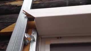 Как обшить окно (проём) сайдингом - как зарезать околооконный профиль(Обшиваем наружные откосы околооконным профилем., 2015-09-05T13:22:26.000Z)