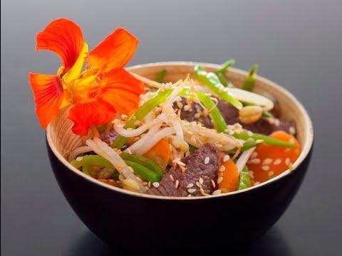 recette-de-wok-de-boeuf-au-sésame,-legumes-de-saison