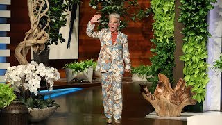 P!nk Has Crossed into the Mom Fan Category thumbnail