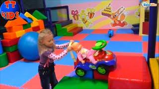 ✔ Кукла Ненуко и Ярослава на прогулке в Детском Развлекательном Центре. Nenuco Doll and Yaroslava ✔