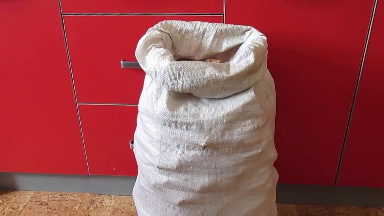 В леруа мерлен можно быстро и просто купить строительные мешки. Закажите с доставкой через интернет-магазин или загляните в. Оптимальный вариант – полиэтиленовые мешки для строительного мусора, которые различаются по объему: 60-120 литров – предназначены для строительной пыли,