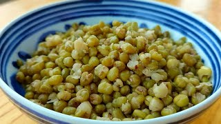 【小穎美食】綠豆別直接煮著吃,教你新吃法,酥脆又鬆軟,連挑食的寶寶都愛吃